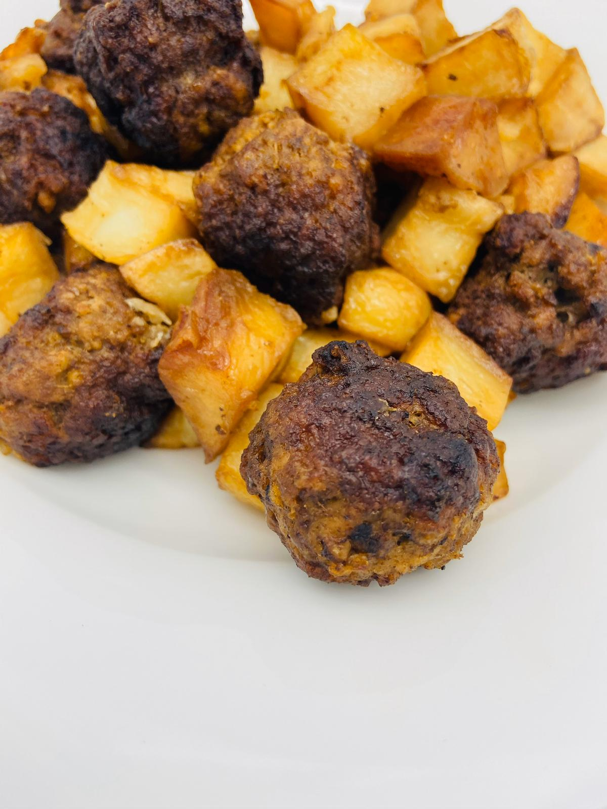 SAVTA'S PESACH MEATBALLS AND POTATOES
